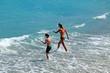 vacances à la mer pour deux adolescents