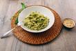 piatto di pasta al pesto genovese