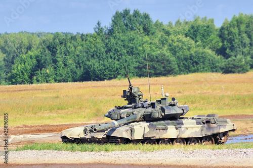 Боевой танк.