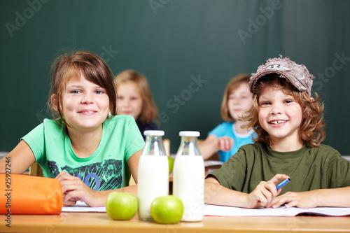 Leinwanddruck Bild Schüler in der Klasse