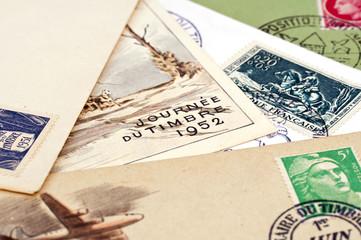 Cartes et timbres de collection