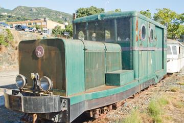vieille locomotive corse reformée