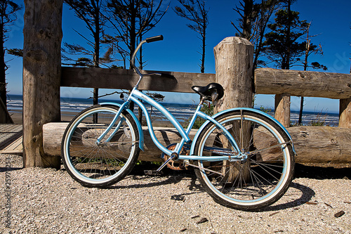 Plexiglas Fiets Bicycle at the Beach