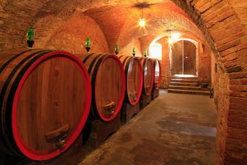 Weinkeller,Rotwein im Barrique-Faß ausgebaut,Toskana,Italien