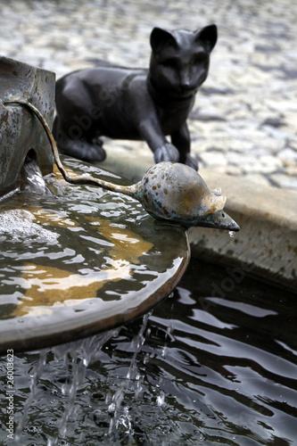 Leinwanddruck Bild Katz-und-Maus-Brunnen in Stolpen (Vorwerk)