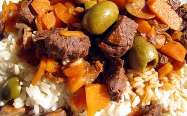 Ragoût de boeuf aux olives et carottes