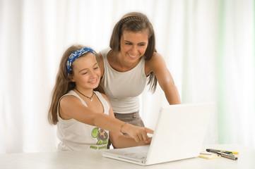 ragazze al computer