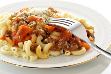 macaroni with sauce and vegetables