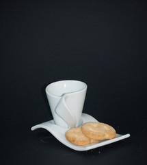 tazzina con biscotti