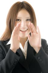 叫ぶ女性社員