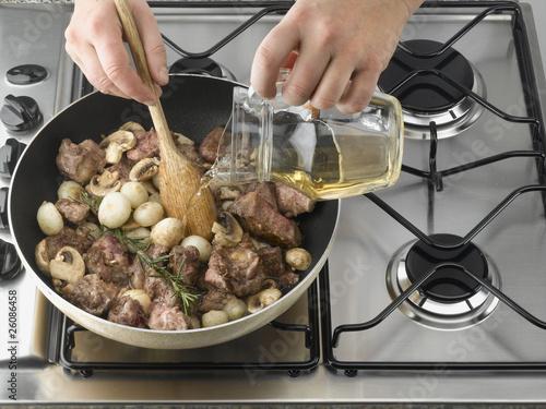 Photo cuisson la po le de champignon et de viande - Cuisson magret a la poele ...