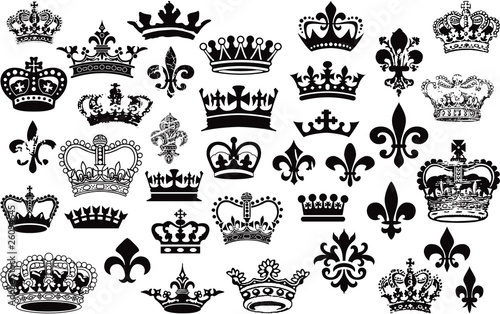 Crowns and fleur de lis vector set