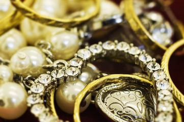 macro jewelry