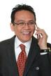 Manager lacht beim Telefonieren