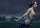 Fototapeta rosa - dynamiczne - Kobieta