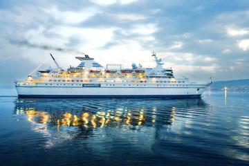 barco de pasajeros, cruceros