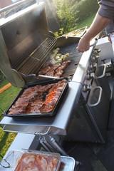 Grill mit Fleisch und Wurst