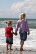 2 Kinder am Meer