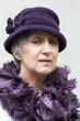Leinwanddruck Bild - vieille dame coquette portant un chapeau