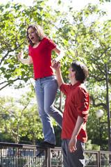 femme en équilibre célibataire ou union