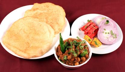 channa bhatura plate