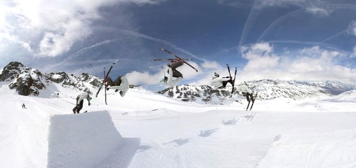 Freeskiing in snowpark