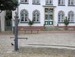 Leinwanddruck Bild - Brunnen am Marktplatz in Meldorf