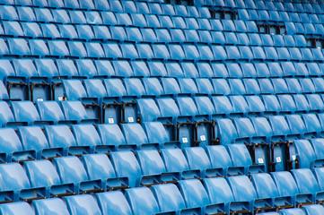 Stadion Plätze Stühle Sitzreihen blau markierungen