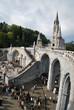 Près de la Cathédrale Notre Dame du Rosaire à Lourdes