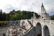 Esplanade et Notre Dame du Rosaire à Lourdes