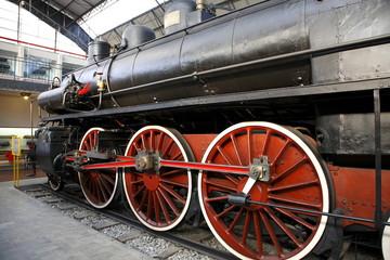 locomotrice antica milano treno antico