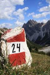 Segnavia bianco rosso con numero