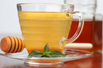 Tea with honey and lemon as natural medicine