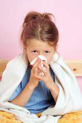 Erkältetes Mädchen