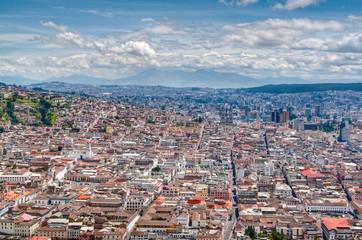 Blick auf Quito vom Panecillo-Hügel