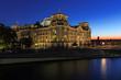 Berliner Reichstag  mit Spree und Sonnenuntergang