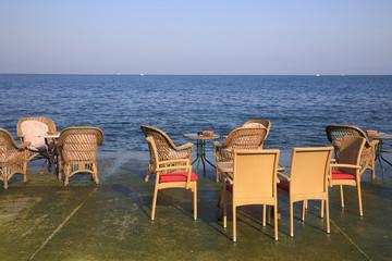 sedie in riva al mare pirano slovenia