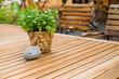 Gartenlokal, Biergarten, Holzmöbel, Gastronomie