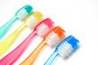 Fünf Zahnbürsten