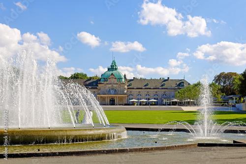 Leinwandbild Motiv Das Kaiser-Palais im Kurpark in Bad Oeynhausen