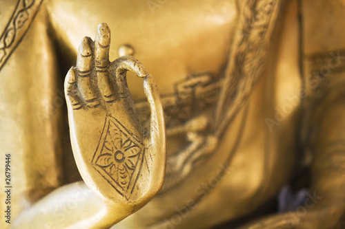 Leinwanddruck Bild Hand of the golden Buddha 02