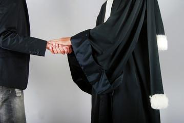 Justice - Avocat réconfortant un client