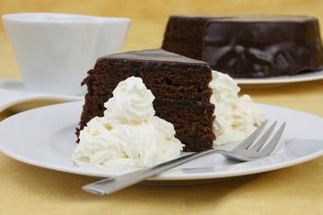 Schokoladetorte und Schlagobers