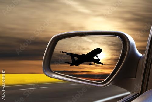 Leinwandbild Motiv strada per l'aereoporto