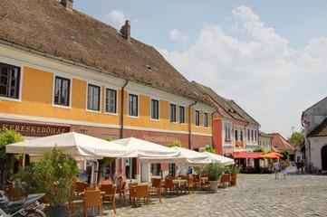 rue d'un village hongrois