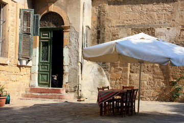 café près de la cathédrale de Nicosie