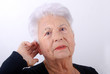 3eme âge - Personne agée mal entendente