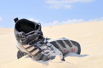Botas en el desierto