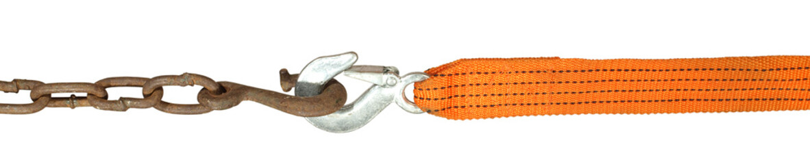 Tow rope with a hook coupled to a hook on a steel chain