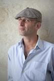 jeune homme parisien casquette artiste garçon masculin poster